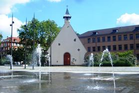 La chapelle de la Rencontre sur la place de l'Hippodrome