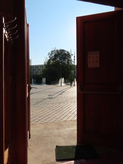 Regard sur la place de l'Hippodrome