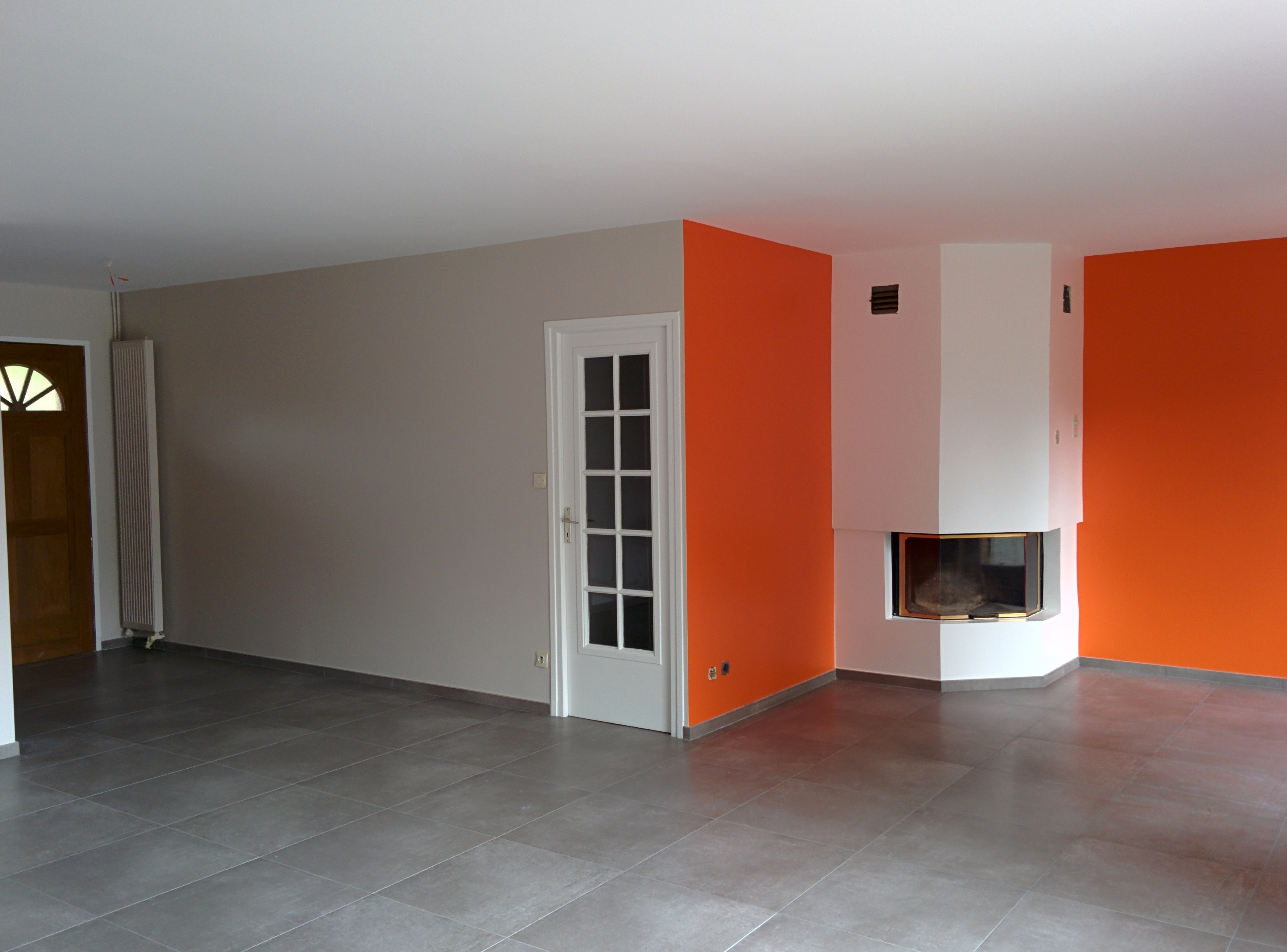 Rénovation séjour - peinture orange
