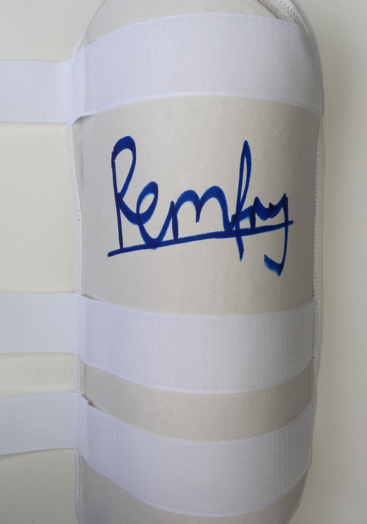 Remfry Thigh Pad - 2 Bottom Straps