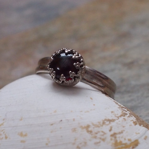 Garnet double band size 12