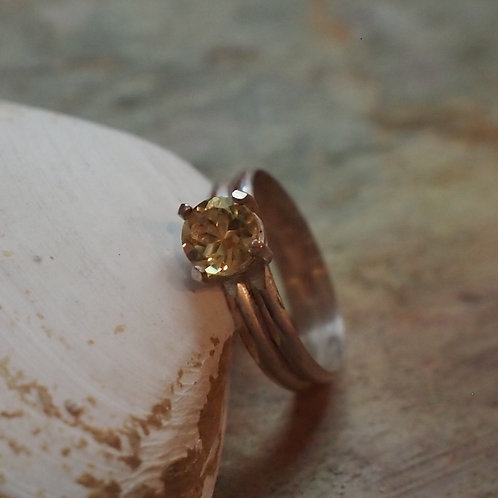 Faceted citrine double band size 7