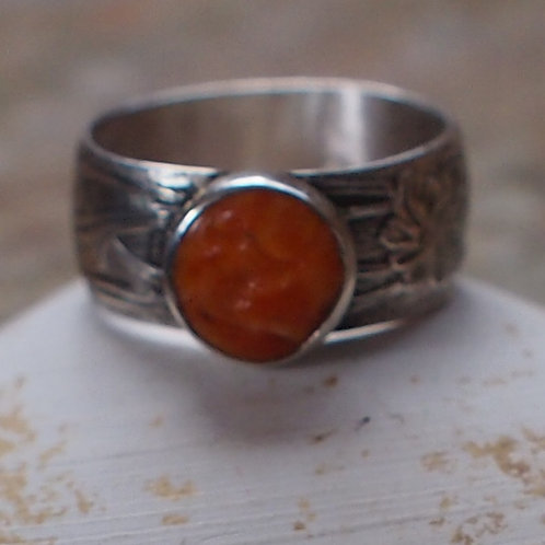 Spiny oyster shell ring size 6