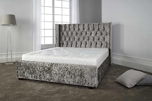 Duchess velvet bed
