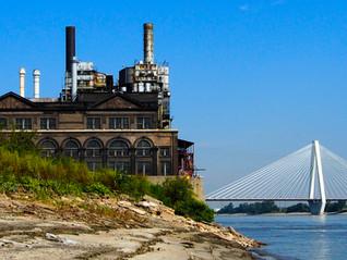 St. Louis new and old / le vieux et le nouveau St. Louis (MO)