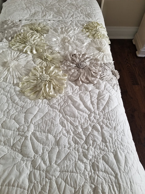 Bedspread by: Tahari Home (Lot 110)