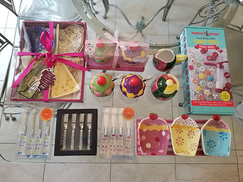 Assorted Kitchen Items  (Lot 19)