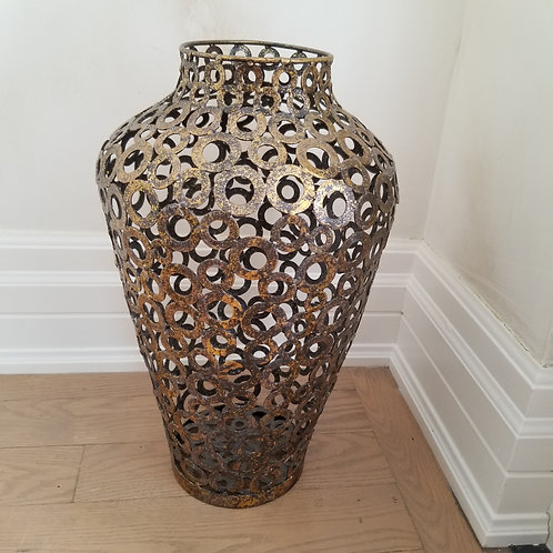 Lot 4 - Decorative Urn