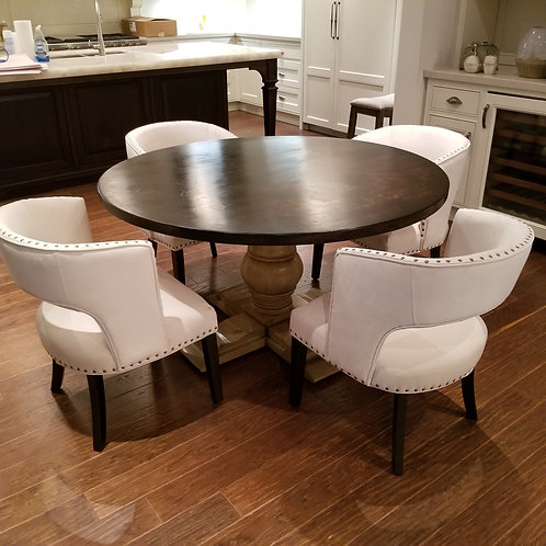Table & Chairs Lot 55