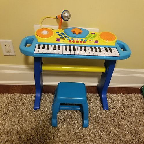Lot 34 Child's Toy Piano
