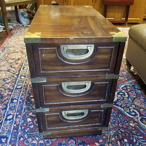End table Lot 32