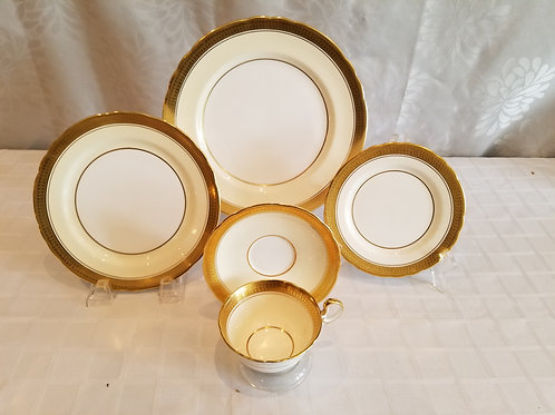 Vintage Aynsley English Bone China (Lot 60)