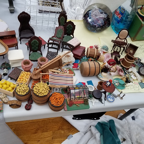 Lot 62 Doll House Furniture, etc..