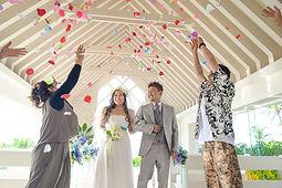 沖縄 京都 フォトウエディング ウェディングフォト ビーチフォト スタジオムーンの結婚写真前撮り ムーンビーチのチャペルフォト
