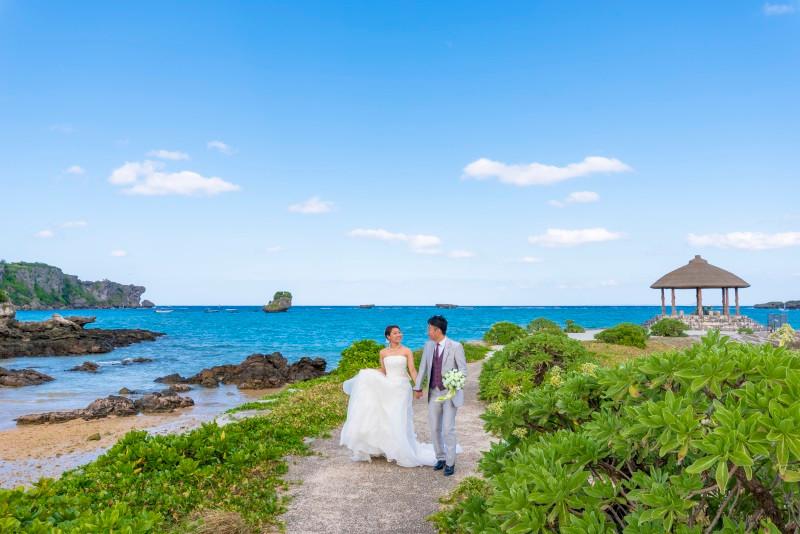 沖縄恩納村 ムーンビーチ リザンシーパーク フォトウエディング ビーチフォト
