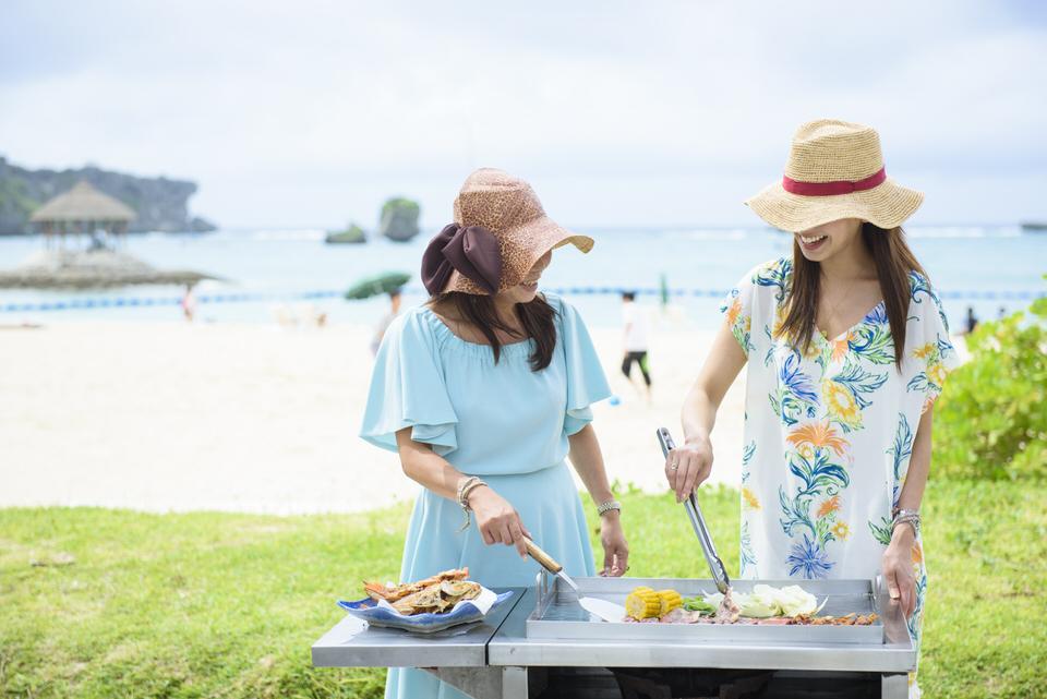 沖縄フォトウエディング フォトツアー ナビービーチのバーベキュー