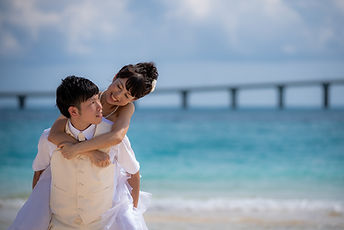 沖縄 宮古島 フォトウエディング ウェディングフォト ビーチフォト 前撮り結婚写真 前浜ビーチ