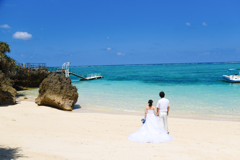 沖縄フォトウエディング ムーンビ-チのビーチフォト チャペルフォト