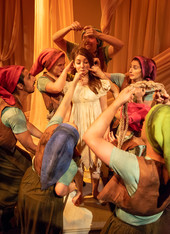 Snow White and the Seven Dwarfs Director: John Hardy Set Designer: D'Vaughn Agu Costume Designer: Shea O'Neil Properties: Megan Pressley Lighting Designer: Patrick Hudson Sound Designer: Matt Green Photos: Billie Wheeler