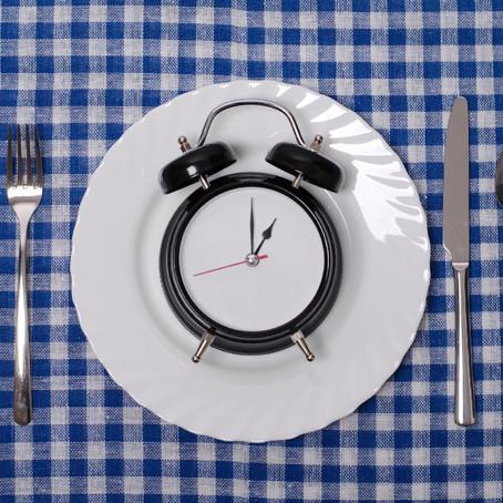 Há benefício na dieta do jejum intermitente?