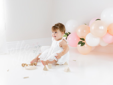 Emi is ONE! | Cake Smash Session