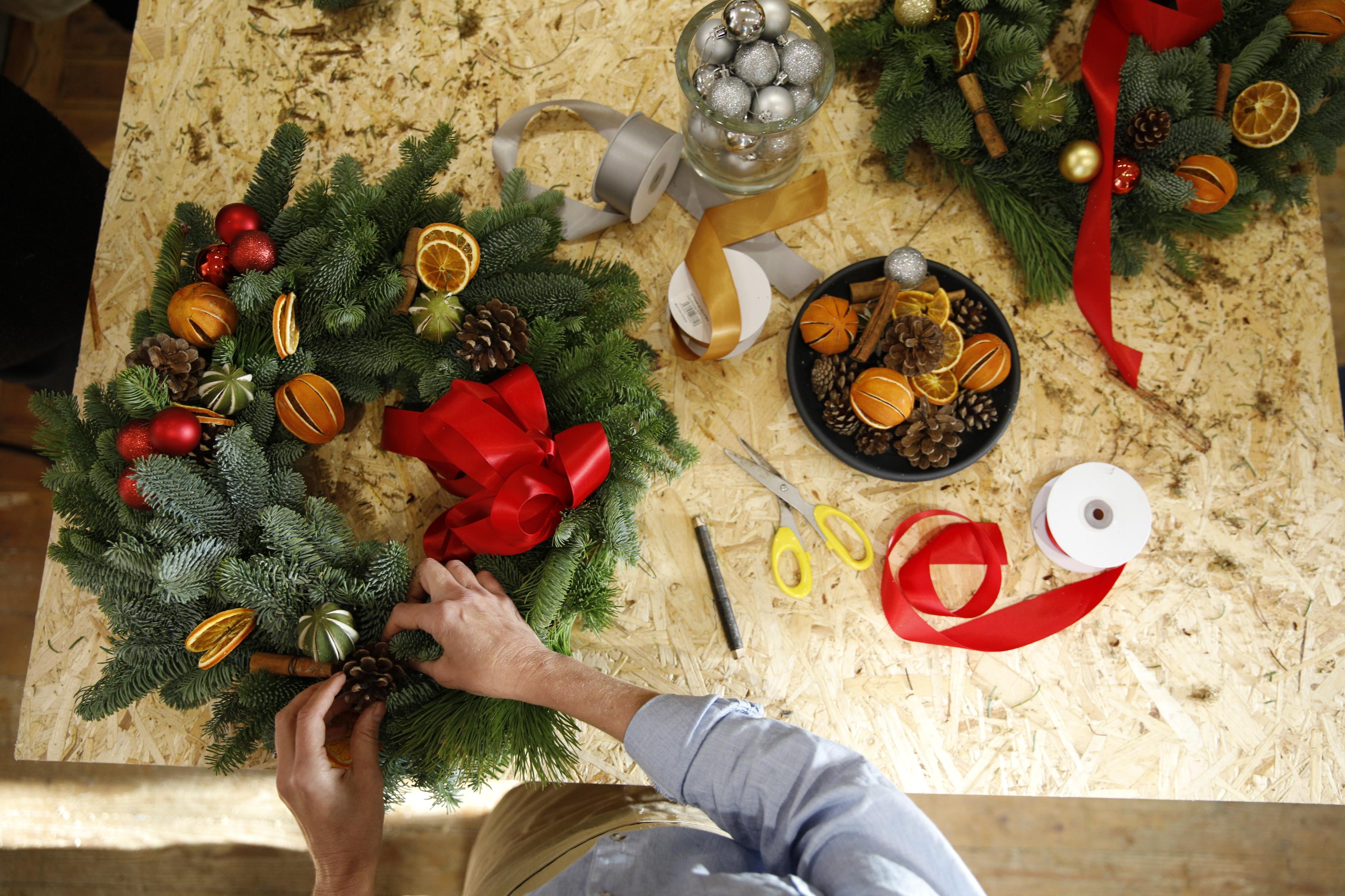 VIRTUAL Christmas Door Wreath Workshop