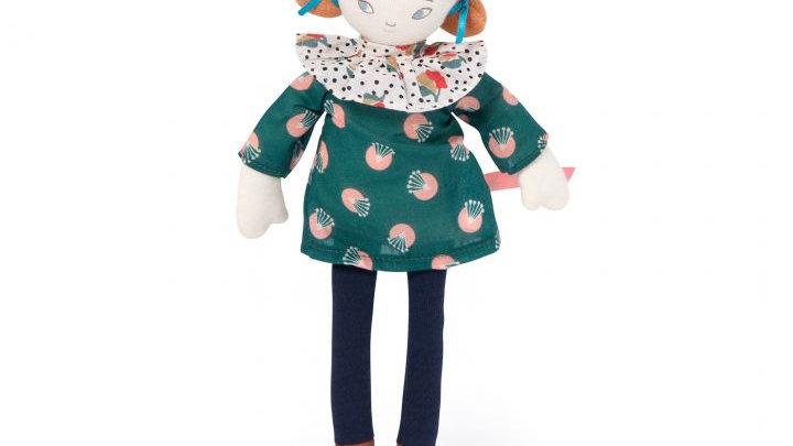 Kleine Puppe grünes Kleid