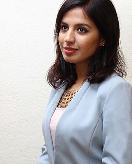 Diya Asrani, Personal Branding Coach, Founder of Design Your Presence. Helps entrepreneurs, trainers and coaches build their presence confidently.
