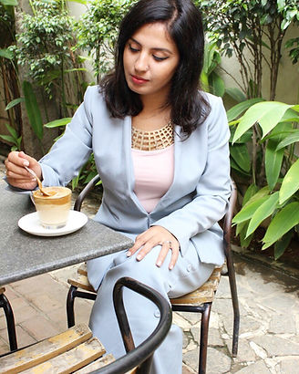 Diya Asrani is a Personal Branding Coach helping entrepreneurs, coaches and trainers design their presence as confident and prominent experts in the industry