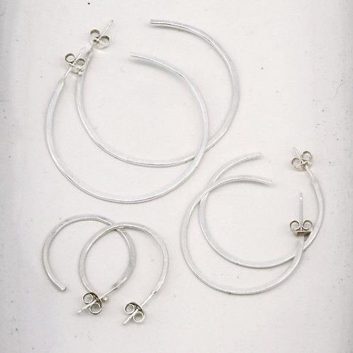 Silver Hoop Earrings - Clustdlysau Arian