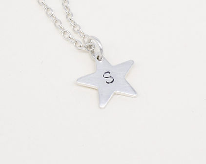 Personalised%20star%20necklace%20Vicky%2