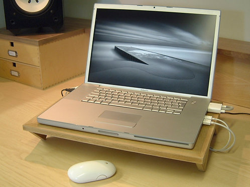 Laptop Riser - Solid Oak - 17""
