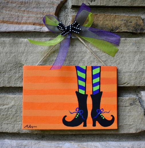 Witch Feet Door Dec