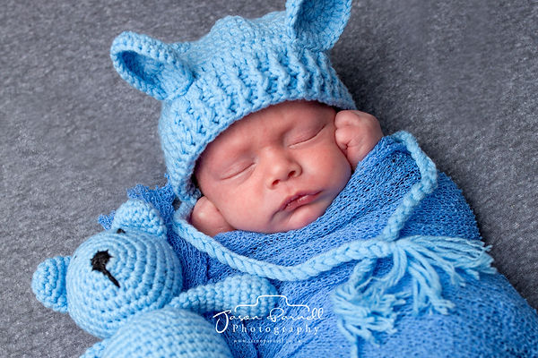 Ezra New Born-0034-Edit.jpg