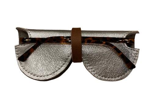 Etui à lunettes en cuir