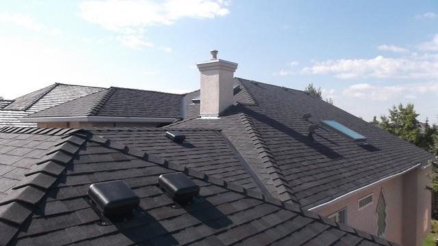 Residential-_Shake_roof_convertion_with_Legacy_Black_oak_in_Mckenzie_Lake_medium.JPG