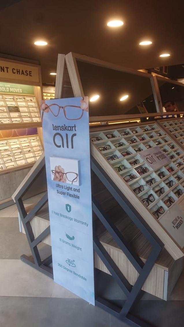 Display Shelf Endcap for Lenskart