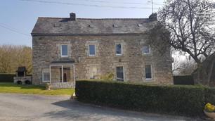 Maison d'habitation dans un hameau en campagne