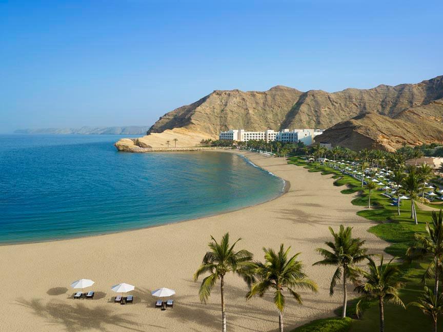 shangri-la-resort-and-spa-oman-beach-ove