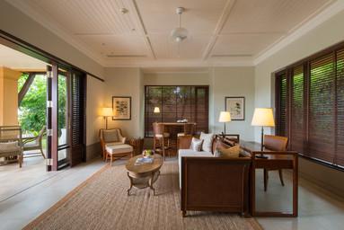 duplex_2_bedroom_cape_pool_villa_living.