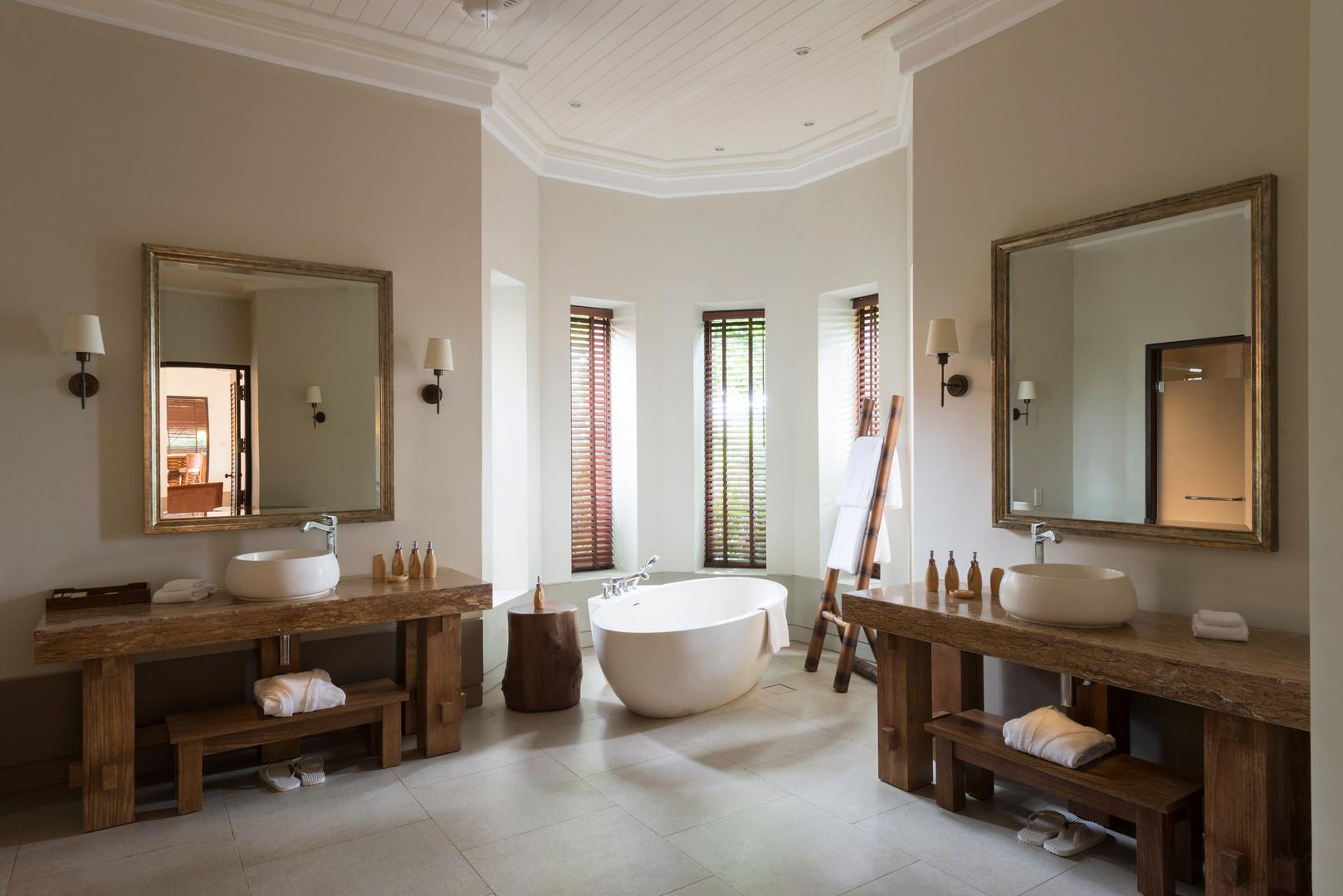 duplex_2_bedroom_cape_pool_villa_bathroo