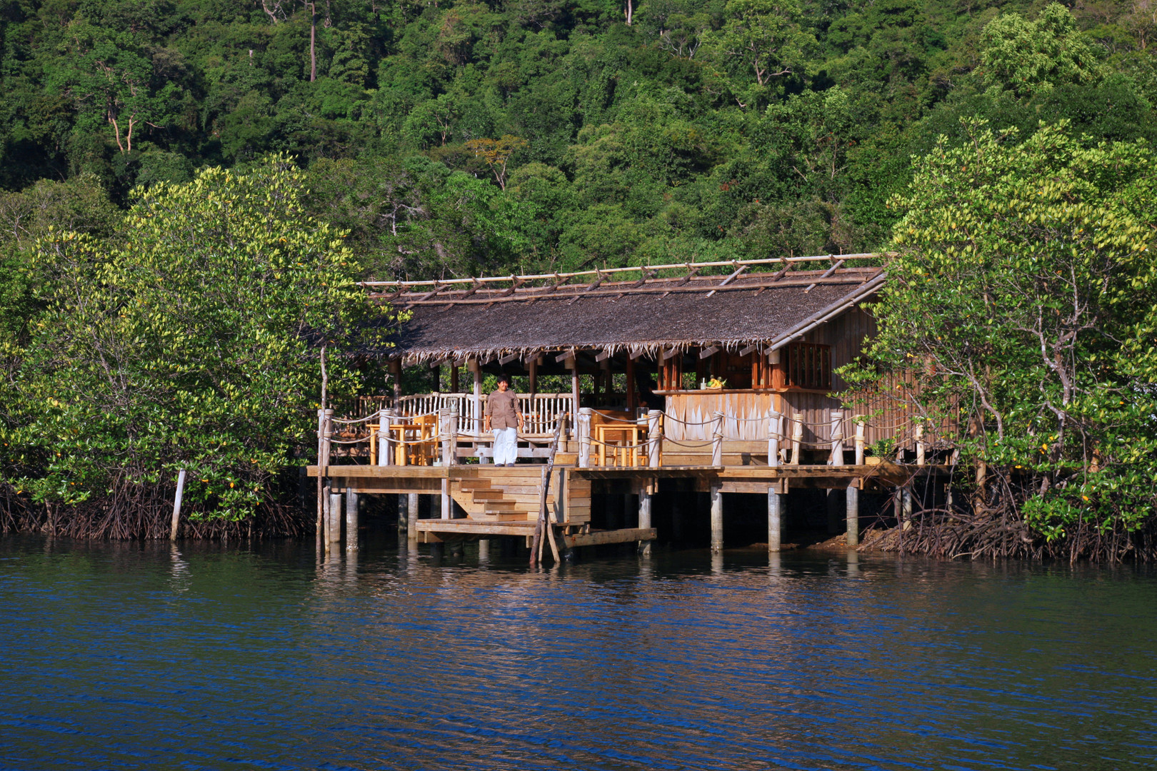 2089_Soneva Kiri Resort Dining - Benz_s.