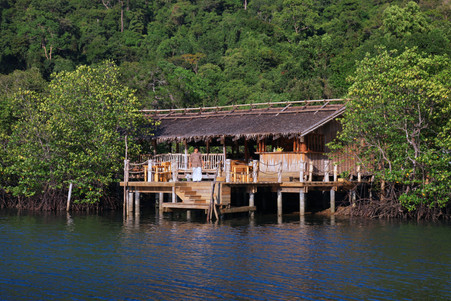 2089_Soneva Kiri Resort Dining - Benz_s.