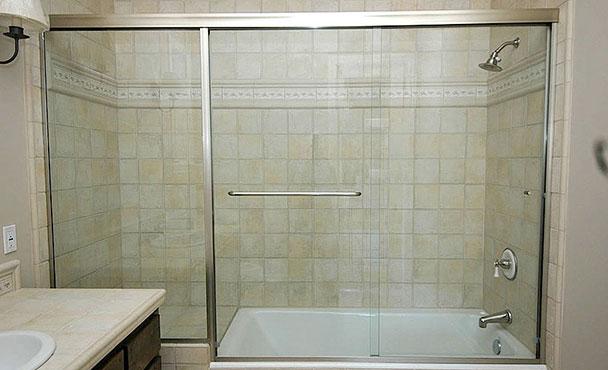 Quarter Panel Semi-Frameless Shower