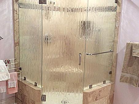 Bathroom Space Saver: Neo-Angle Shower Enclosure