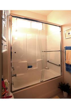 Semi-Frameless S-Curve Shower