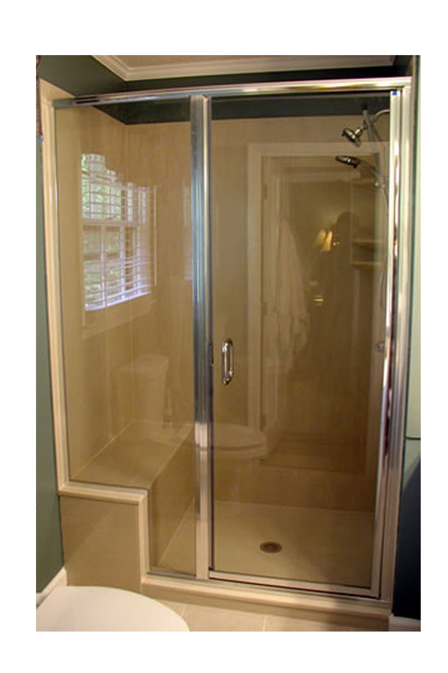 Semi-Frameless Shower and Notched Pa