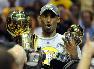 Kobe_Bryant_Los_Angeles_Lakers_NBA_Around_the_Game