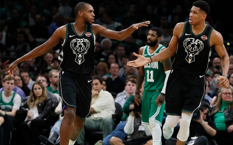 Milwaukee_Bucks_Giannis_Antetokounmpo_Khris_Middleton_NBA_Around_the_Game