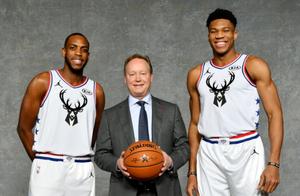 Milwaukee_Bucks_Giannis_Antetokounmpo_Mike_Budenholzer_Khris_MIddleton_NBA_Around_the_Game
